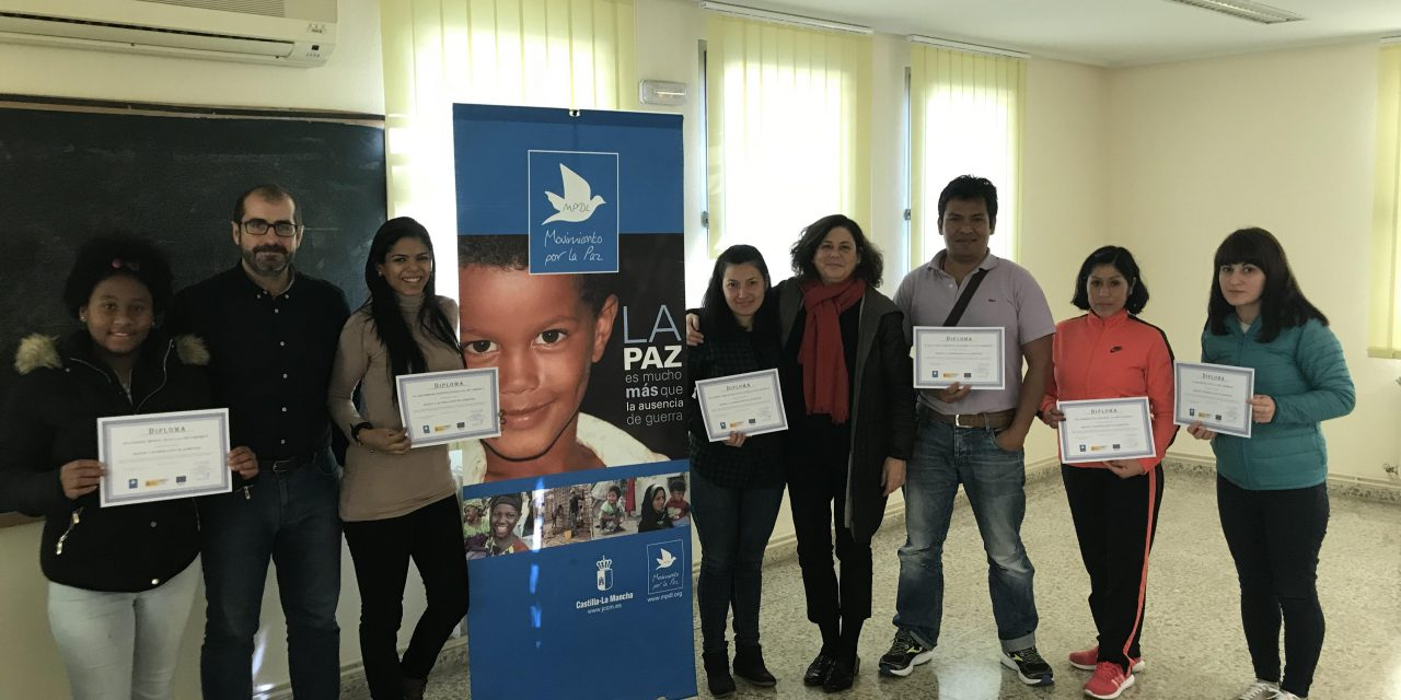 Clausurados dos cursos impartidos por Movimiento por la Paz con el apoyo del IMPEFE