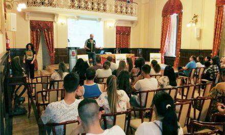 El alumnado de GARANTÍA CIUDAD REAL recibe una charla informativa de la empresa BRICORAMA