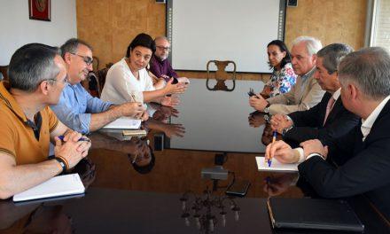 LA ALCALDESA DE CIUDAD REAL RECIBE AL PRESIDENTE DE CRIA PARA CONOCER EL PROYECTO DE APERTURA DEL AEROPUERTO